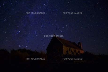星と教会の写真素材 [FYI00262860]