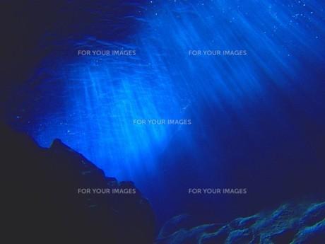 光のカーテンの写真素材 [FYI00263008]