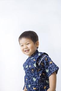 甚平を着た男の子の写真素材 [FYI00263238]