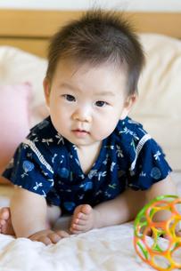 甚平姿の赤ちゃんの写真素材 [FYI00263334]