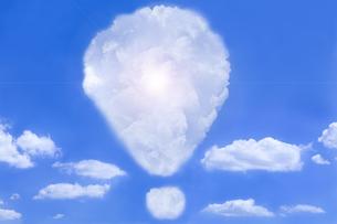雲のビックリマークの写真素材 [FYI00263519]