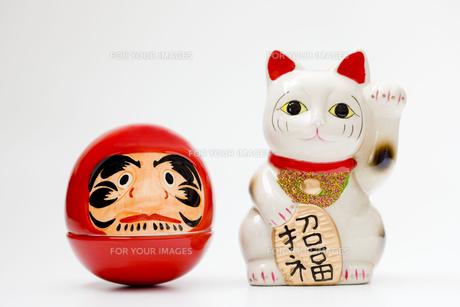 ダルマと招き猫の写真素材 [FYI00263749]