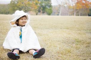 もこもこの子供の写真素材 [FYI00263814]