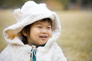 もこもこの子供の写真素材 [FYI00263823]