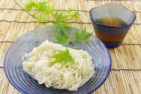 冷し素麺の写真素材 [FYI00265279]