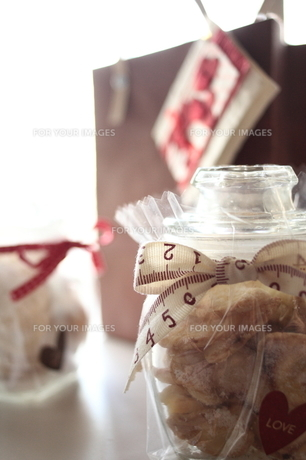 お菓子 プレゼントの写真素材 [FYI00266030]