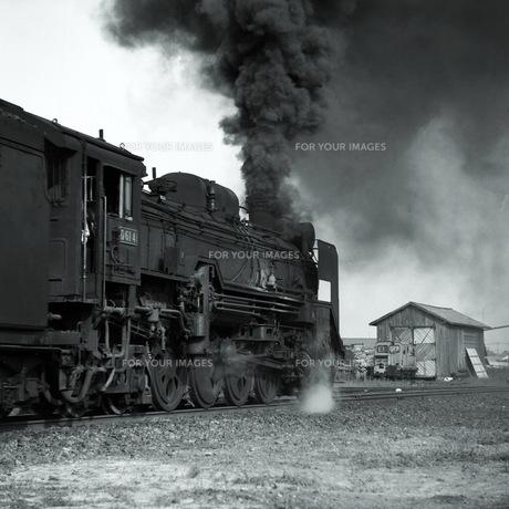 機関車D61出発の素材 [FYI00266703]