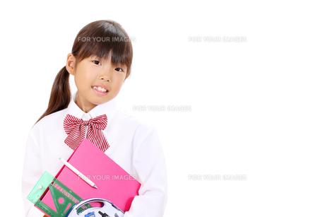 文房具を持つ女の子の写真素材 [FYI00267940]