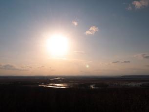 夕方の釧路湿原の写真素材 [FYI00268934]