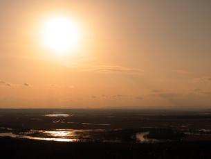 釧路湿原の夕日の写真素材 [FYI00268942]