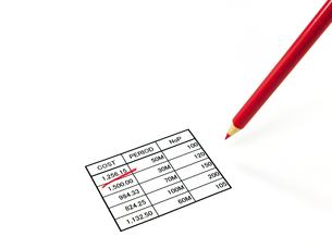 赤鉛筆と表の素材 [FYI00269046]