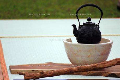 茶会の鉄瓶の素材 [FYI00269167]