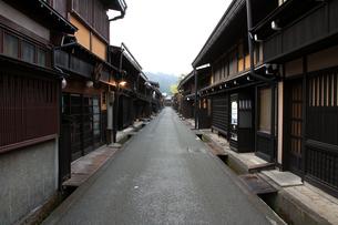 飛騨高山の古い町並の写真素材 [FYI00269469]