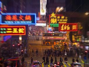 香港の繁華街の写真素材 [FYI00269769]