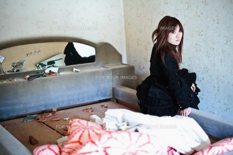 壊れたベッドの写真素材 [FYI00269811]