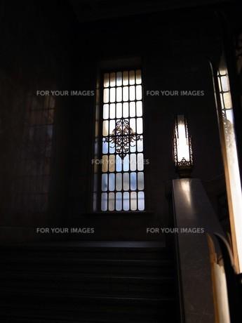 ステンドグラスと照明の写真素材 [FYI00269974]