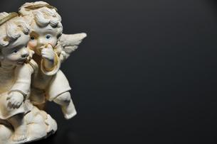 天使のささやきの写真素材 [FYI00270245]