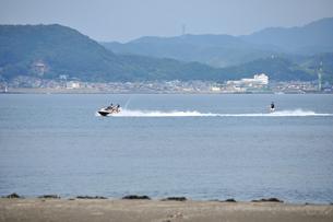 館山湾での水上スキーの写真素材 [FYI00270366]