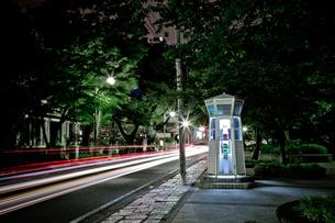 様式電話ボックスと光線の素材 [FYI00270395]