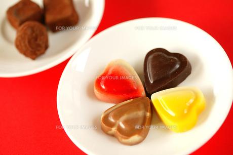 ハート型のチョコレートの写真素材 [FYI00270494]
