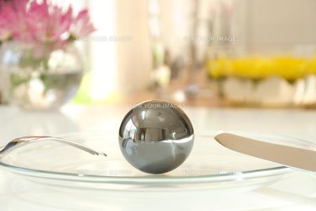 金属ボールの写真素材 [FYI00270512]