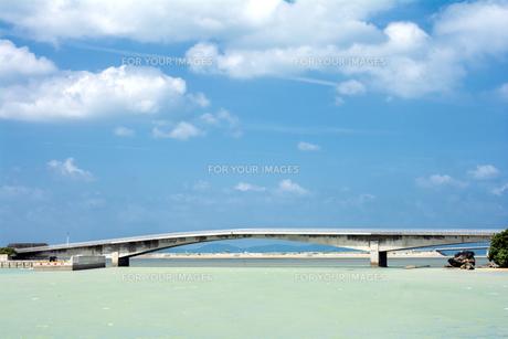 藪地大橋と海と空の素材 [FYI00271055]
