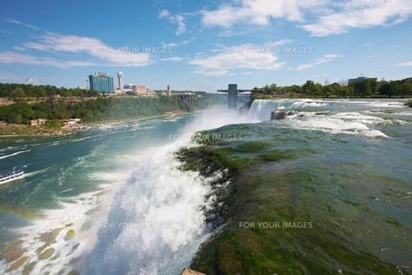 アメリカ側から望むアメリカ滝の写真素材 [FYI00271136]