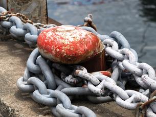 船の繋留用鎖の写真素材 [FYI00271377]