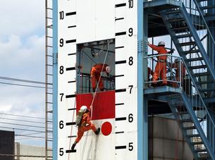 消防隊の救助訓練の写真素材 [FYI00271382]