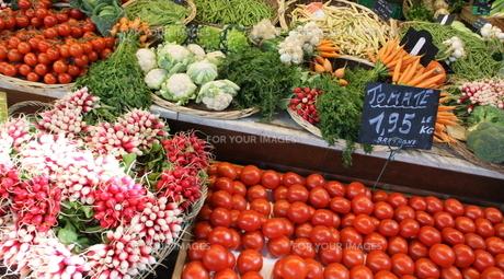 フランスの市場 トマトの素材 [FYI00271550]