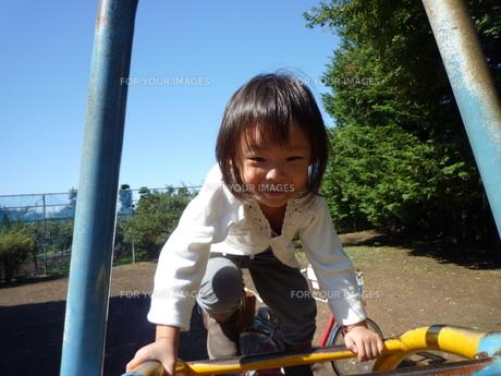 笑顔の女の子の素材 [FYI00271649]