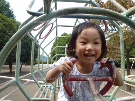 笑顔の女の子の素材 [FYI00271657]