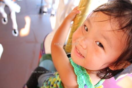 笑顔の女の子の素材 [FYI00271697]