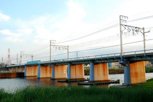 鶴見川にかかる鉄橋の素材 [FYI00271773]