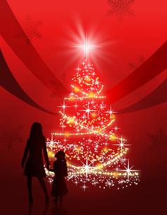 クリスマスツリーと家族の写真素材 [FYI00274228]