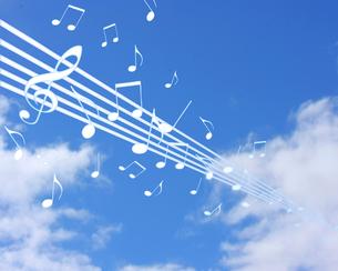 青空と音楽の写真素材 [FYI00274340]