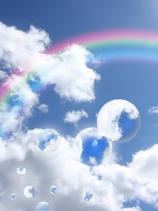 青空としゃぼん玉と虹の写真素材 [FYI00274806]