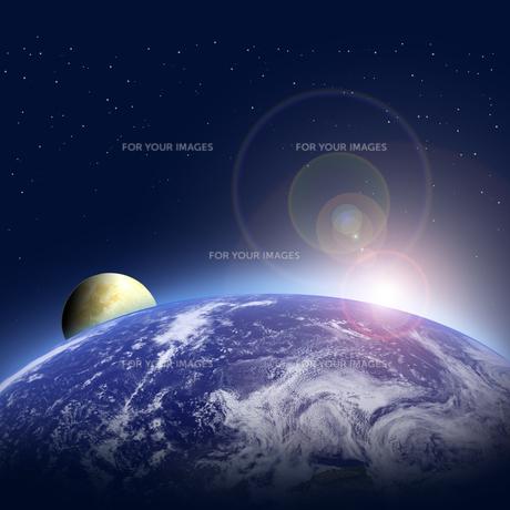 地球と月の写真素材 [FYI00276275]