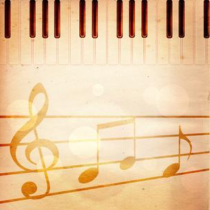 ピアノを弾くの写真素材 [FYI00276583]
