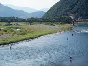 夏の千曲川と昭和橋の写真素材 [FYI00277881]