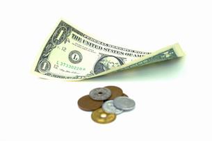 円の小銭と1ドル紙幣の写真素材 [FYI00278214]