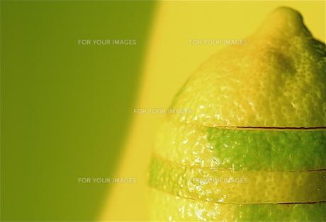 黄緑と黄色のレモンの素材 [FYI00278584]