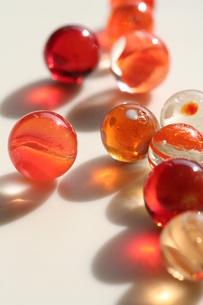 オレンジ色のビー玉(2)の素材 [FYI00278622]