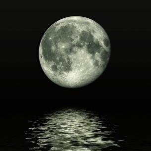 満月のイメージの素材 [FYI00279262]