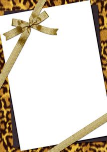 豹柄のメッセージカードの素材 [FYI00279394]
