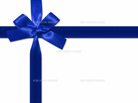 青いリボンの素材 [FYI00279572]
