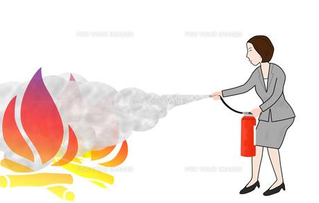 ビジネスウーマンの消火訓練の写真素材 [FYI00280585]