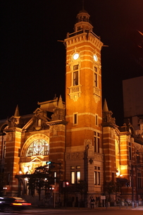 夜の横浜開港記念会館の素材 [FYI00280799]