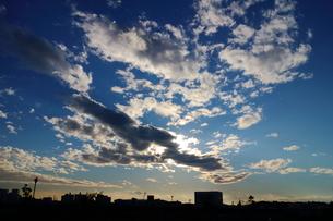 横浜雨上がりの午後の空の素材 [FYI00280815]