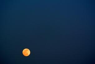2012年5月5日の満月の写真素材 [FYI00280928]